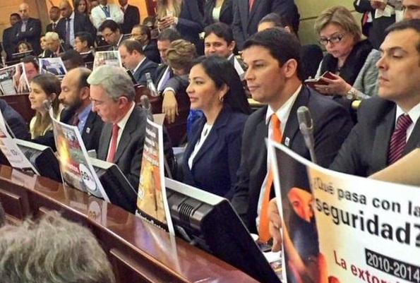 Santos miente; no es cierto que Uribe lo sindique como miembro de las Farc: Centro Democrático