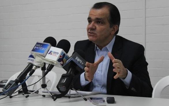 En solo 9 puntos, Zuluaga denunció las razones del fracaso del modelo económico de Santos