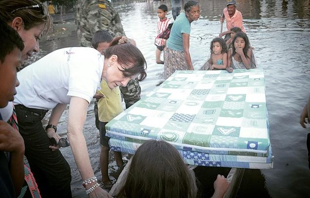 Rosa Cotes lidera atención a afectados por inundaciones en segunda temporada de lluvias