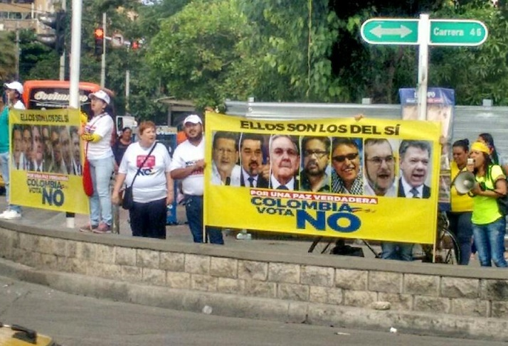 """Protestan en Barranquilla, por """"atropello a la democracia"""": """"No dejaremos que Colombia sea como Venezuela"""""""