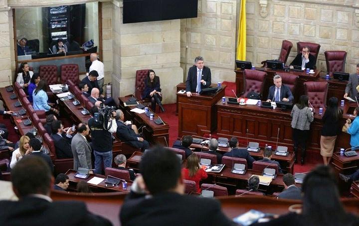 En primer debate aún con ponencias mejoradas, el Congreso aprobó la ponencia de la Reforma Tributaria del Gobierno