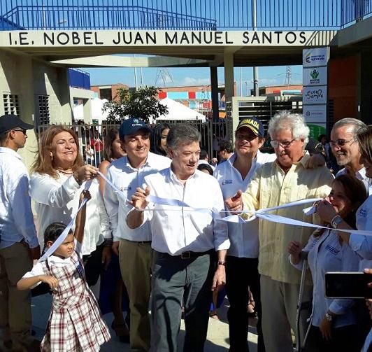 """Alcalde de Soledad habría violado la ley al llamar al Colegio """"Nobel Juan Manuel Santos Calderón"""" sin que Santos aún haya muerto"""
