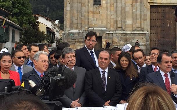 La Casa de Nariño, contrata columnas para opacar escándalos de Odebrecht por la inmersión de Santos y su Gobierno: CD