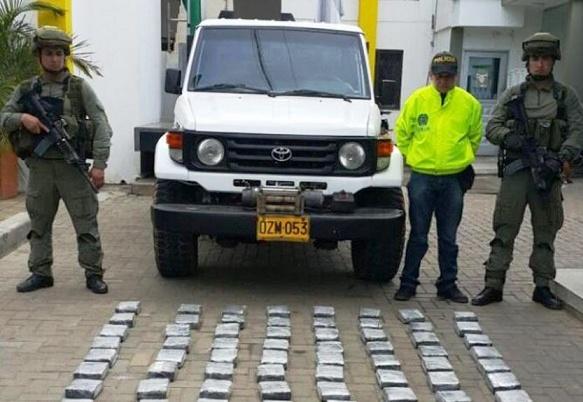 52 kilos de coca fueron hallados en una camioneta abandonada en el San Jorge cordobés