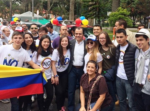 Jóvenes Colombianos del Centro Democrático, manifiestan su apoyo a Óscar Iván Zuluaga, y su proyecto político