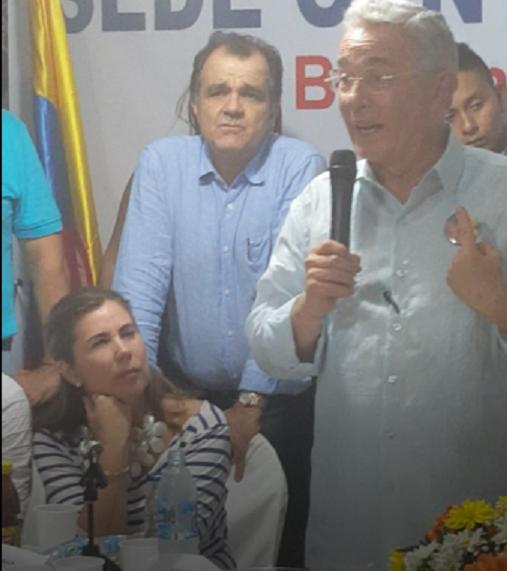 La directora del Centro Democrático, Nubia Stella Martínez, ratificó ante el CNE, la solicitud sobre el caso del publicista brasilero