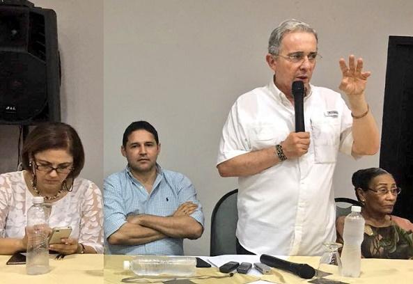 Uribe pide al Comité de Ética del Centro Democrático investigar la campaña presidencial del 2014 y nexos con Odebrecht