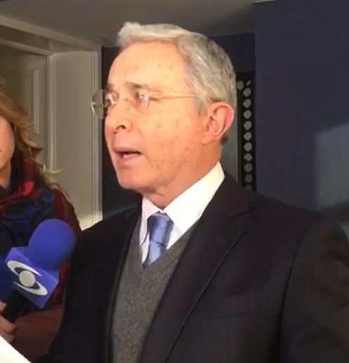Centro Democrático recogerá firmas en rechazo a últimos golpes con Acuerdo Santos-Farcdel Gobierno: Expresidente Uribe
