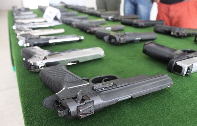 En segunda fase del grupo lite dijin contra el crimen organizado captura a 2 e incauta 28 armas - Lntoreor dijin ...