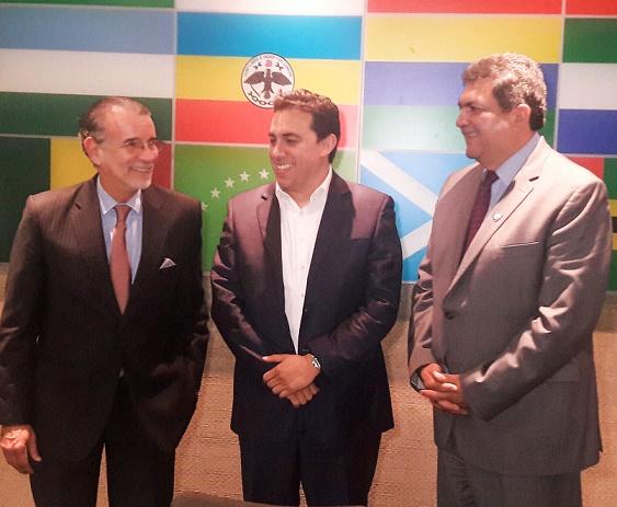gobernador-verano-se-reune-con-presidente-del-cne