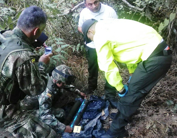 Hallan dos depósitos con artefactos explosivos, lanzacohetes, antitanques y antiaéreos en Becerril y la Paz Cesar