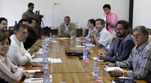 Hay pactos Santos – Farc por fuera del Acuerdo de La Habana?. Por: Duván Idárraga
