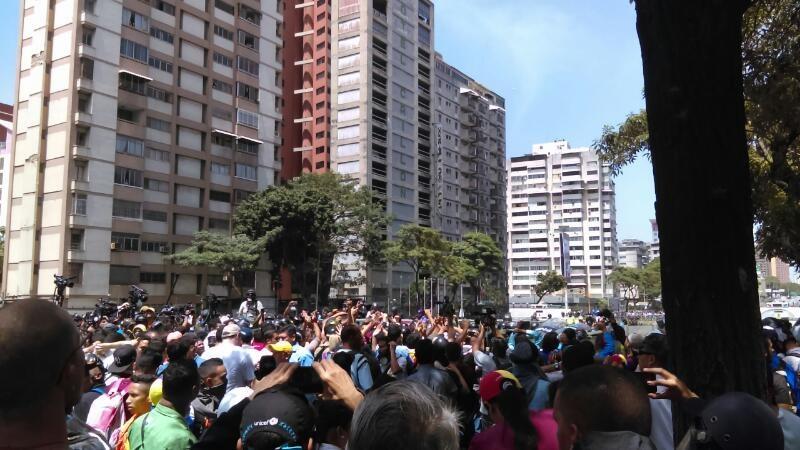 Continúan las protestas en Ecuador, Guillermo Lasso impugnará los resultados electorales por presunto fraude. Exige transparencia