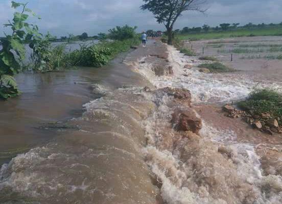 El rio Magdalena rompió un muro de contención en el municipio de Hatillo de Loba