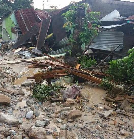 En el interior las lluvias y deslizamientos, el desbordamiento de ríos y quebradas deja miles de damnificados en Colombia