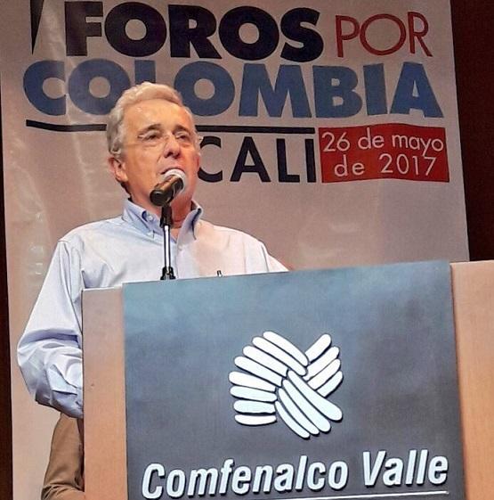 Buenaventura hoy tendría un Aeropuerto Internacional, pero Santos lo echó para atrás cuando llegó a la Presidencia