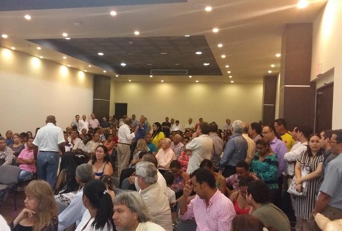 Luis Alfredo Ramos, aún no es candidato, pero se posiciona en las encuestas. No se lanzaría para ser segundo