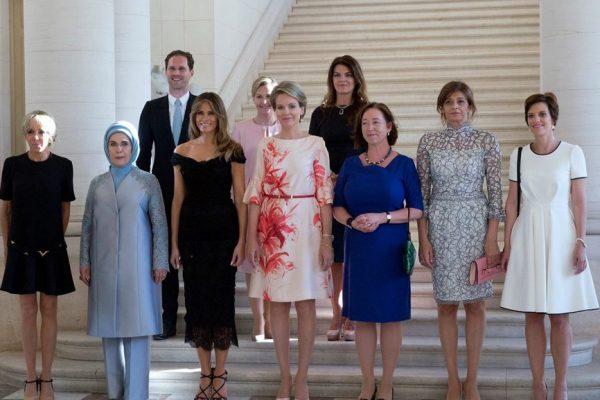 El escándalo, un hombre el marido del primer ministro de Luxemburgo posa en la foto de las Primeras Damas