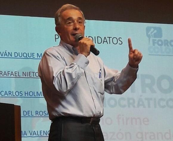 La seguridad, un valor democrático y una fuente de recursos. Hay que complementarla con una gran política económica y social: Uribe