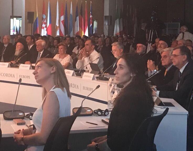 Uribe reclamó que se pretenda coartar el derecho a debatir sobre la real situación de Colombia
