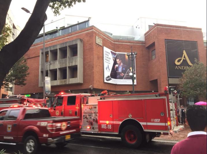 Atentado en el Centro Comercial Andino, en Bogotá, deja hasta el momento 3 personas muertas y más de 9 heridos