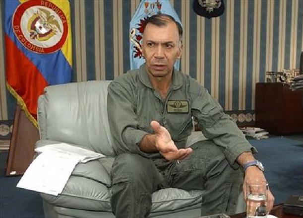 Cuerpo de Generales retirados afirman que entrega de armas de las Farc es una burla al país. Reiteran la amenaza del castrochavismo
