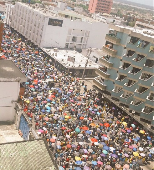 Continúan las manifestaciones públicas de docentes. Policía informa lo que dice la ley sobre estas