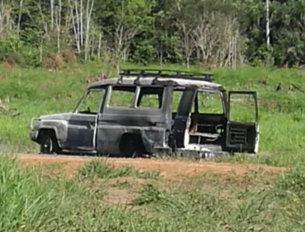 Denuncian que disidencia de FARC atacó a desminadores y les quemaron un vehículo en Mesetas, Meta