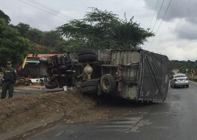 Aparatoso accidente de un bus de Expreso Brasilia deja 5 personas muertas y 43 heridas