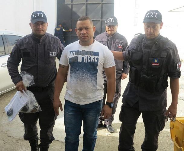 """Ejército y CTI capturan a 14 presuntos miembros del grupo """"Oficina Caribe"""" en Santa Marta y Valledupar"""
