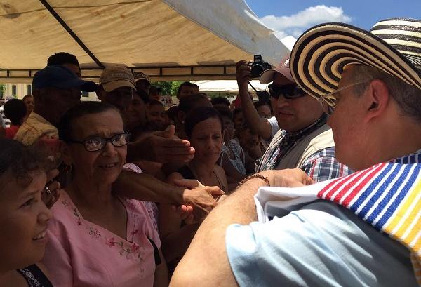 El reto del próximo gobierno: Un gran liderazgo y diálogo para lograr que la economía crezca fuerte y permanente: Uribe