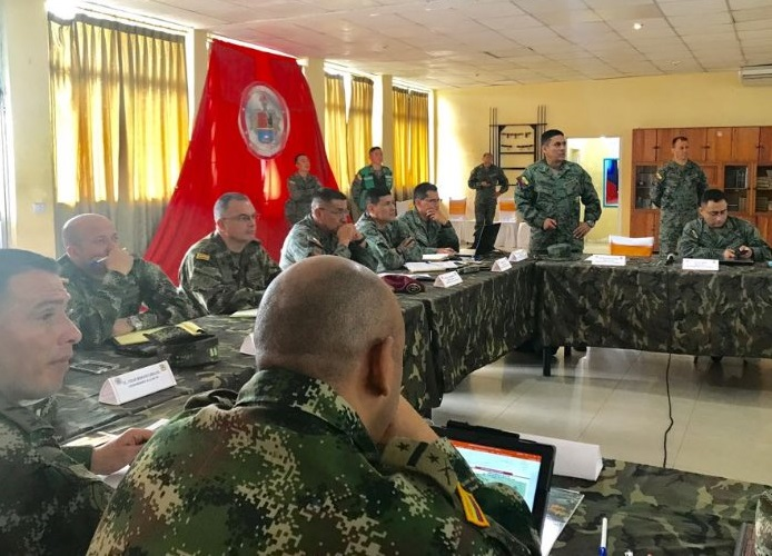 Autoridades capturan a colombianos en la frontera ecuatoriana con fuerte armamento