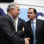 Con excusas Uribe se escurrió de candidatura de Zuluaga