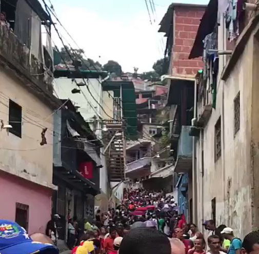 Con las advertencias de fraude se dieron las elecciones regionales en Venezuela: PSUV 17, MUD 5 gobernaciones