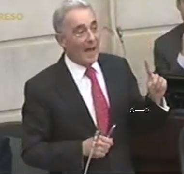 La expresión de la moral en el Congreso adhirió a la campaña de Santos: Uribe