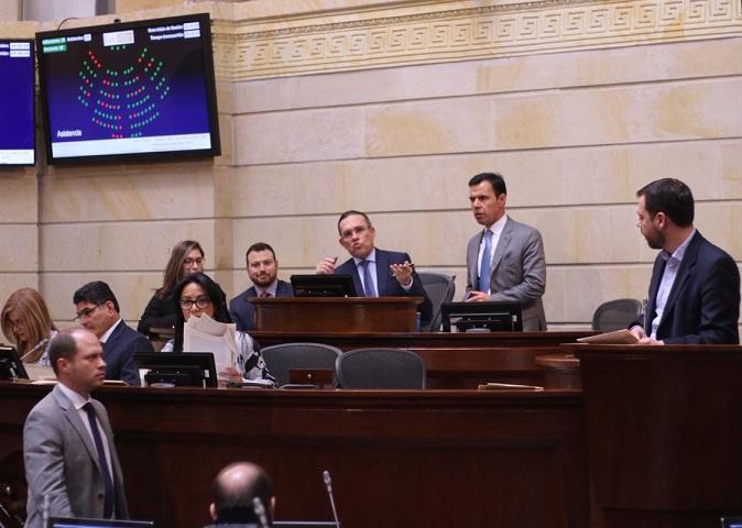 Con vicio de inconstitucionalidad debaten las 16 Circunscripciones hundidas, insisten, y se vuelven hundir por 1 voto