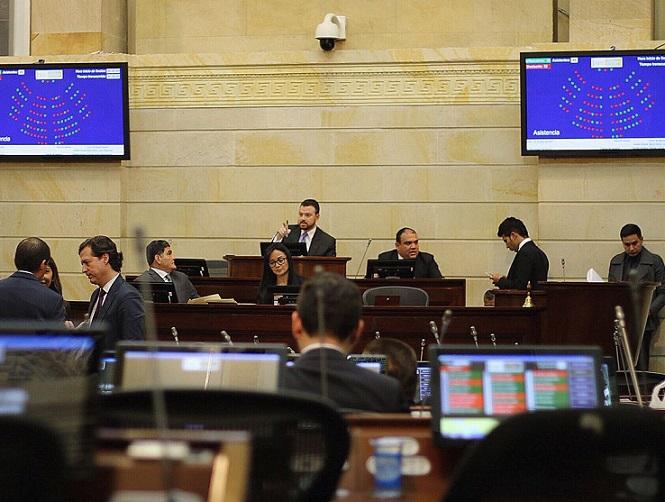 Reforma Política es una pieza de legislación inútil y dañina para el sistema democrático colombiano: Senadores