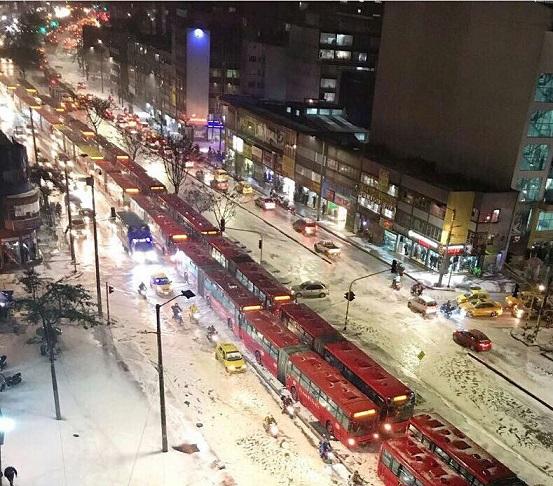 Fuerte granizada en Bogotá, aún este jueves hay capas de hielo en algunos sectores