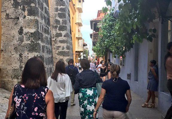 EEUU prohíbe a sus ciudadanos viajar a 4 departamentos de Colombia, y riesgos en 17