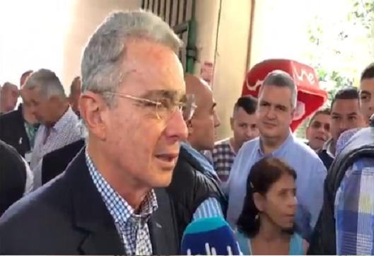 Carlos Areiza, nunca fue testigo ni contra Uribe ni contra Santiago su hermano. Ex Presidente pide a la Fiscalía agilizar la investigación