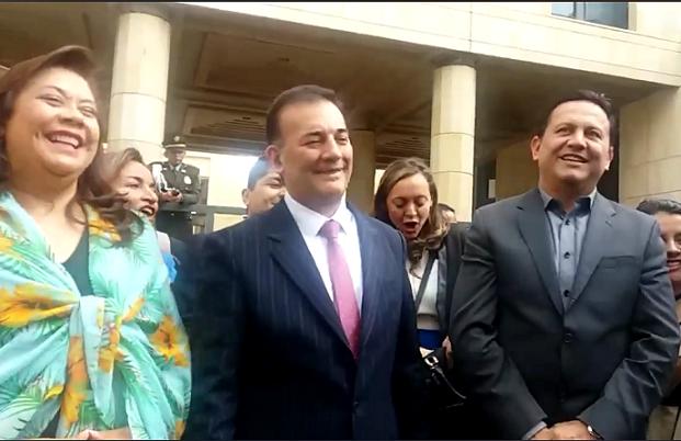 Senadores de MIRA, no reclamarán su derecho a 4 años de sueldos que no trabajaron y que además sale del bolsillo de los colombianos. Hoy se notificaron de la sentencia