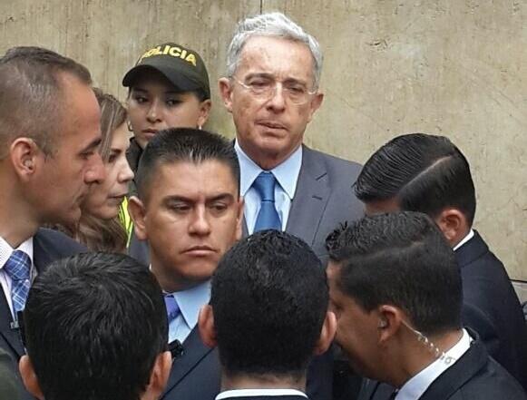 Según la Corte Iván Cepeda es víctima de Uribe, no obstante estudia la nulidad del proceso