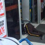 Asesinan a dos vigilantes cuando recogían dinero al interior de Supertienda Olímpica de Soledad 2000
