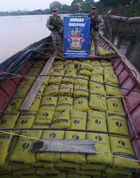 La Armada Nacional incautó en Bolívar 24 toneladas de cemento y material para procesar clorhidrato de cocaína