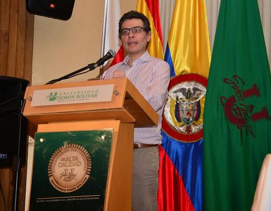 Se necesitan mayores políticas públicas en Colombia para mejorar cifras de movilidad social: Ministro de Salud