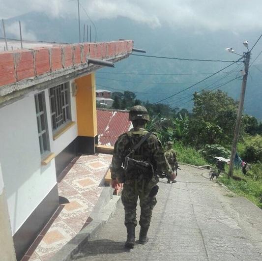 Catatumbo 5 días de paro armado, 100 mil sitiados: Autoridades locales y comunidad denuncian la situación. Para Mindefensa el caso no es de gravedad