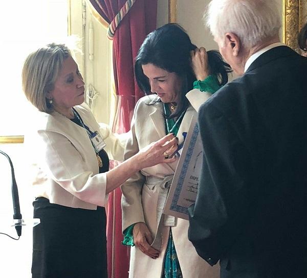 Sofía Gaviria recibió el Gran Premio Humanitario de Francia, por su apoyo a las Víctimas