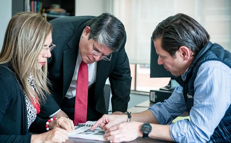 Senador electo Antonio Zabaraín comprometido con la problemática de erosión costera en Ciénaga, Magdalena viajó a Bogotá a presionar solución