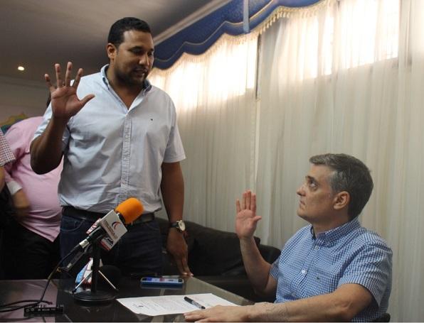 Concejal Ramón Ignacio Carbó culpa al sistema electoral frágil que solo después de 2 años le permita asumir su cargo