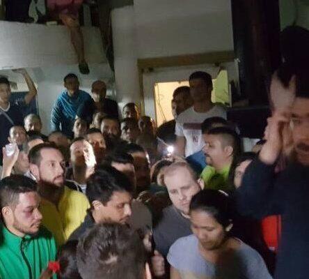 Presos políticos venezolanos se amotinan y denuncian torturas por parte del régimen al interior de los penales